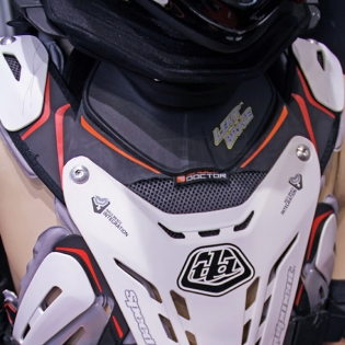 Troy Lee Designs 5900 Chest Protector - White Image 4