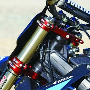 XTrig ROCS Tech Triple Clamp Set Honda - Red Image 3