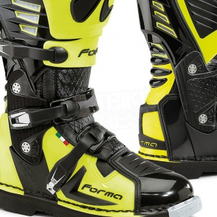 Forma Predator Black Fluo Yellow Boots Image 4