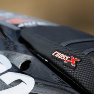 CrossX Stripe Yamaha Black Black Blue Ribbed Seat Cover Image 3